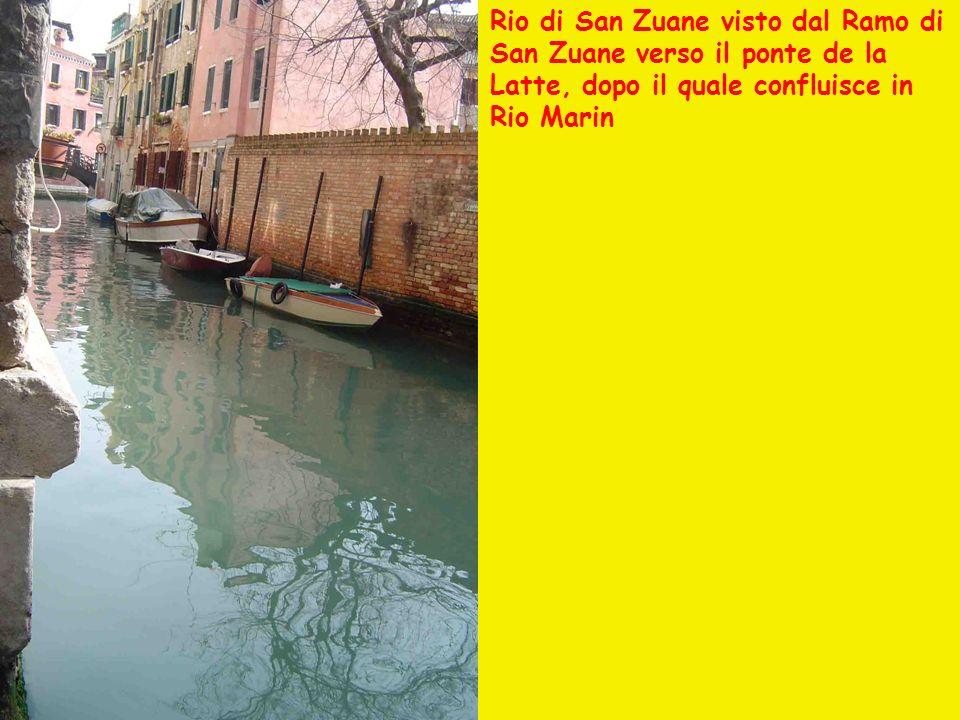 Rio di San Zuane – Porta dacqua della Scuola Grande di San Giovanni Evangelista.