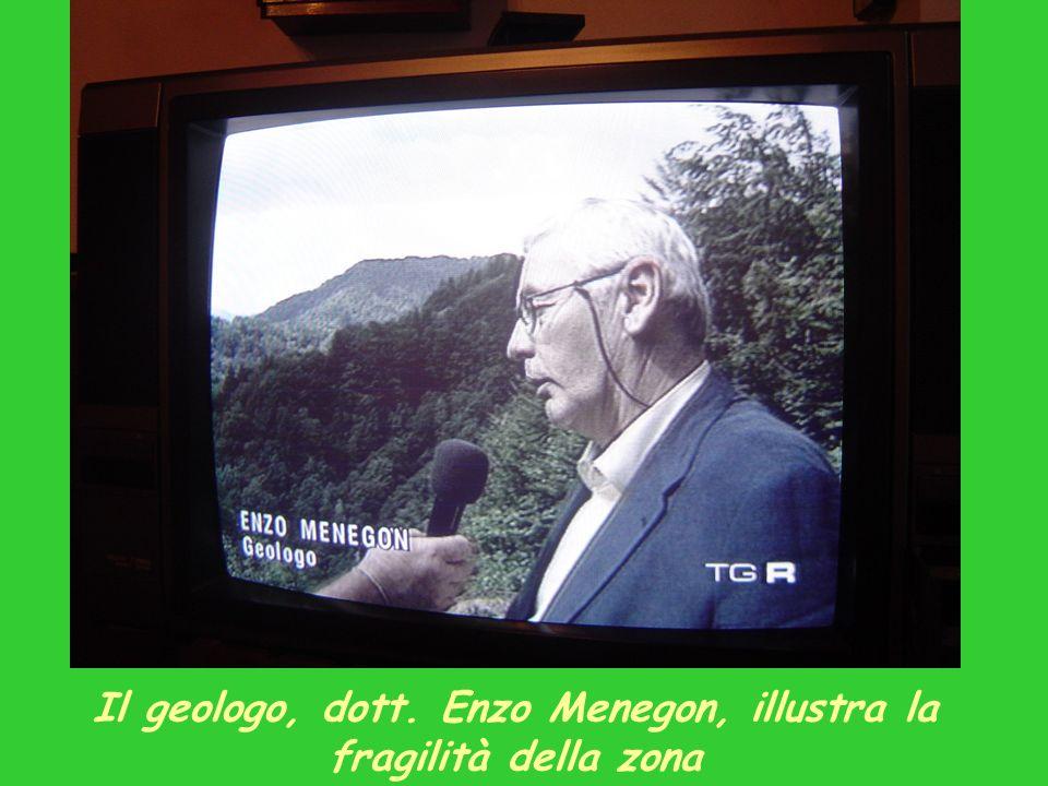 Il geologo, dott. Enzo Menegon, illustra la fragilità della zona