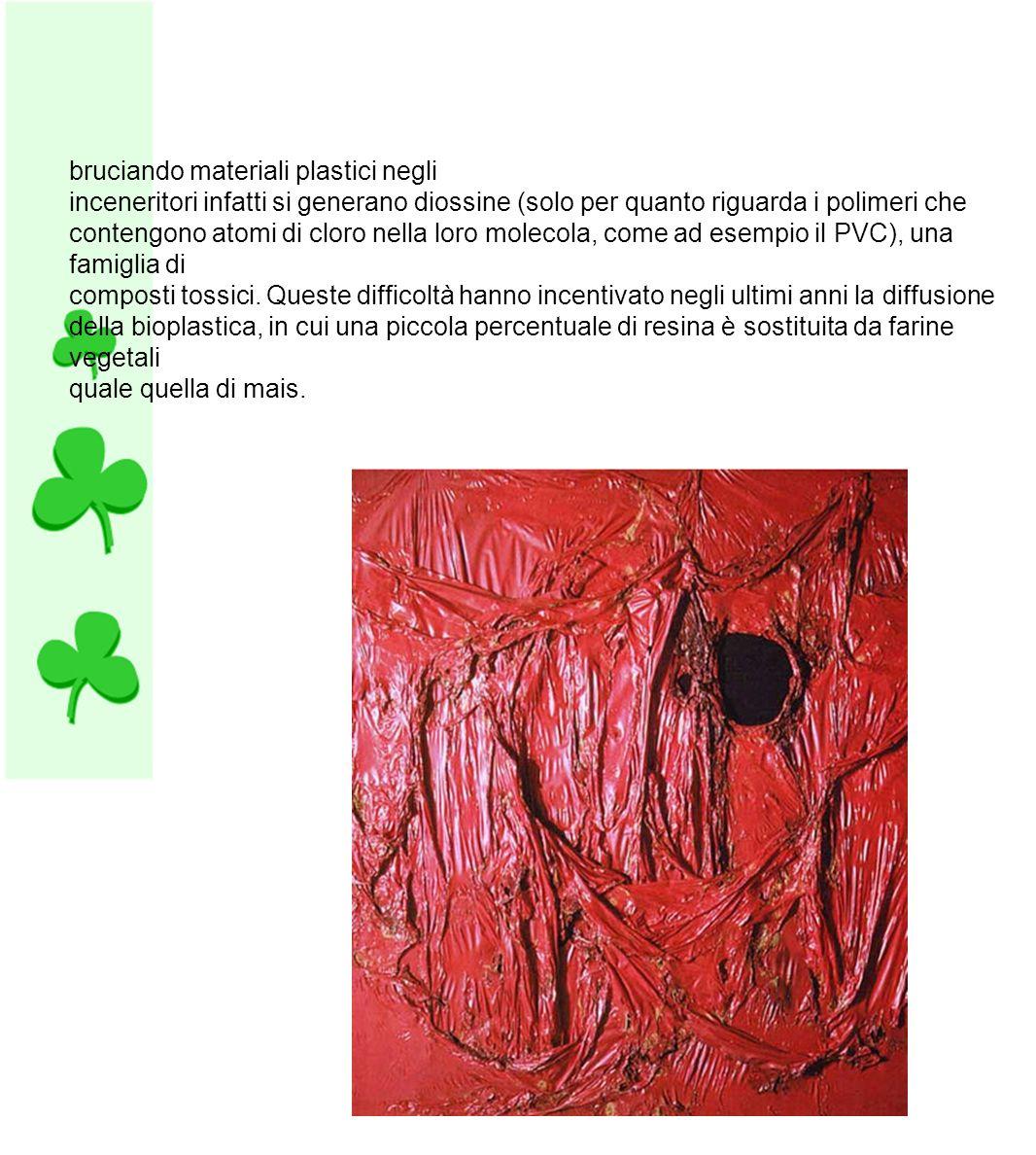 Tra le lavorazioni a cui vengono sottoposte le materie plastiche, si annoverano:[5] ·· stampaggio per compressione ·· stampaggio ad iniezione[6] ·· stampaggio per trasferimento ·· formatura per estrusione[7] ·· calandratura ·· spalmatura ·· colata ·· soffiaggio[8] ·· termoformatura[9] ·· estrusione in bolla ·· pultrusione.