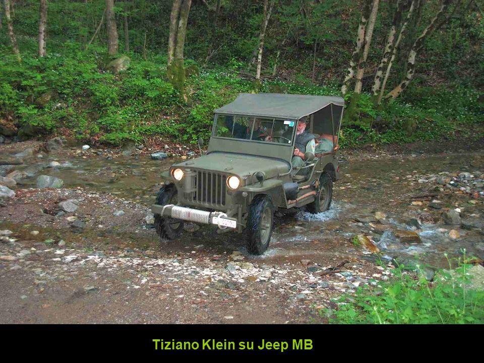 Tiziano Klein su Jeep MB