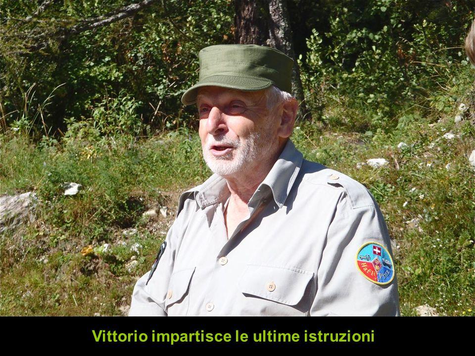 Vittorio impartisce le ultime istruzioni