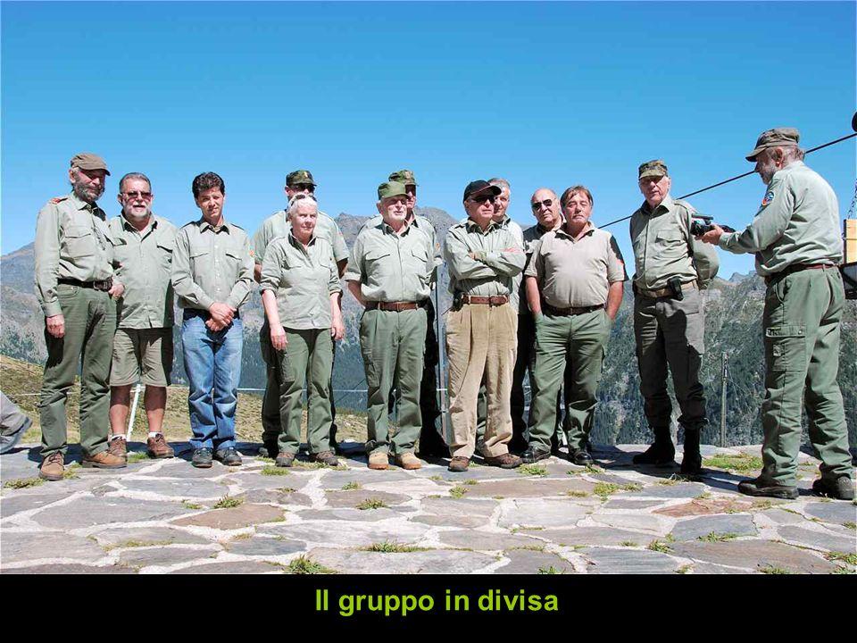 Il gruppo in divisa