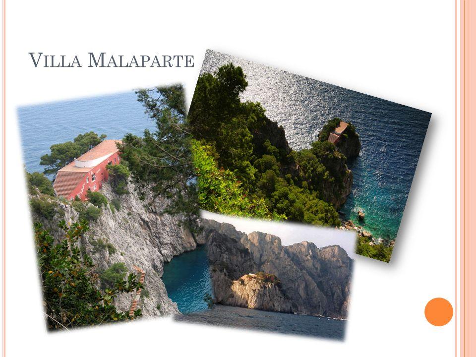 A NACAPRI …ha 6554 abitanti …alcuni attrazioni sono: Grotta Azzurra Monte Solaro