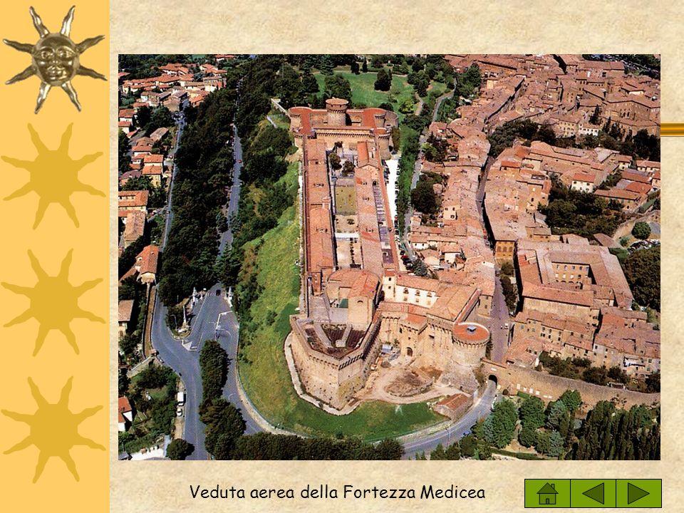 Due scorci dellantica Acropoli Veduta del Parco Archeologico Enrico Fiumi