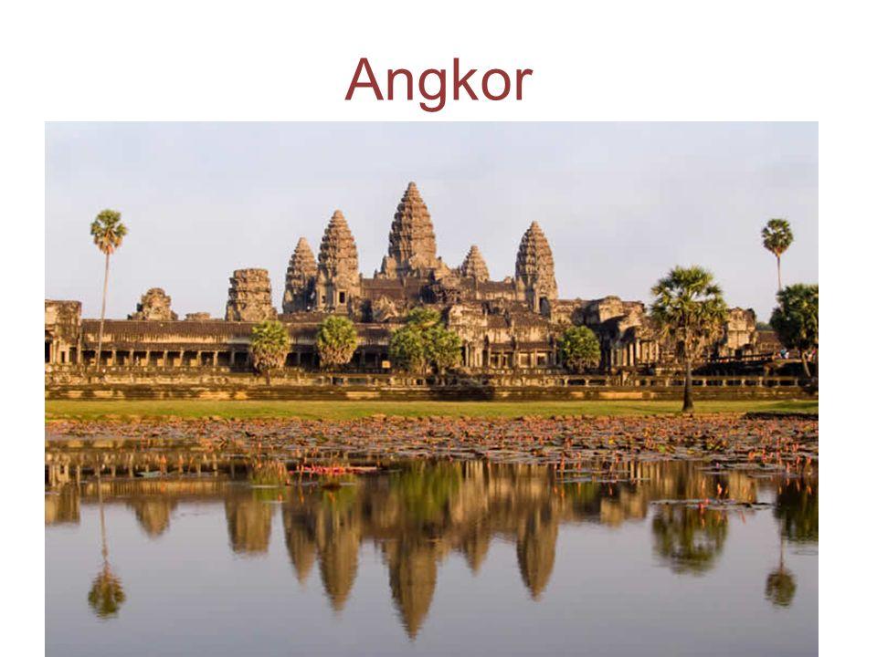 Angkor Wat oggi Dal 1990 Angkor Wat ha visto rinascere gli sforzi per la conservazione e un enorme incremento di turisti.