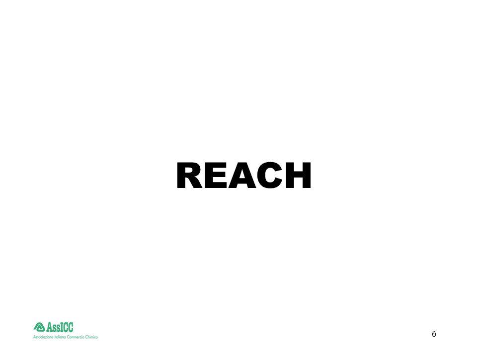 7 REACH : Problematiche per le aziende italiane Saranno particolarmente sentite a causa delle piccole dimensioni aziendali, dellalto numero dei prodotti trattati e dei clienti: difficoltà a sostenere i costi del personale da dedicare al REACH difficoltà di determinare con certezza limplicazione nella registrazione grosse difficoltà nella preparazione dei dossier alti costi per la preparazione dei dossier e per la registrazione quantità inadeguate a sopportare detti costi (molto spesso) posizioni di debolezza nella partecipazione ai consorzi difficoltà al reperimento di tutti gli usi dei prodotti venduti (alto numero dei clienti)