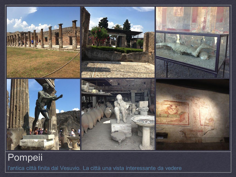 Pompeii l'antica città finita dal Vesuvio. La città una vista interessante da vedere