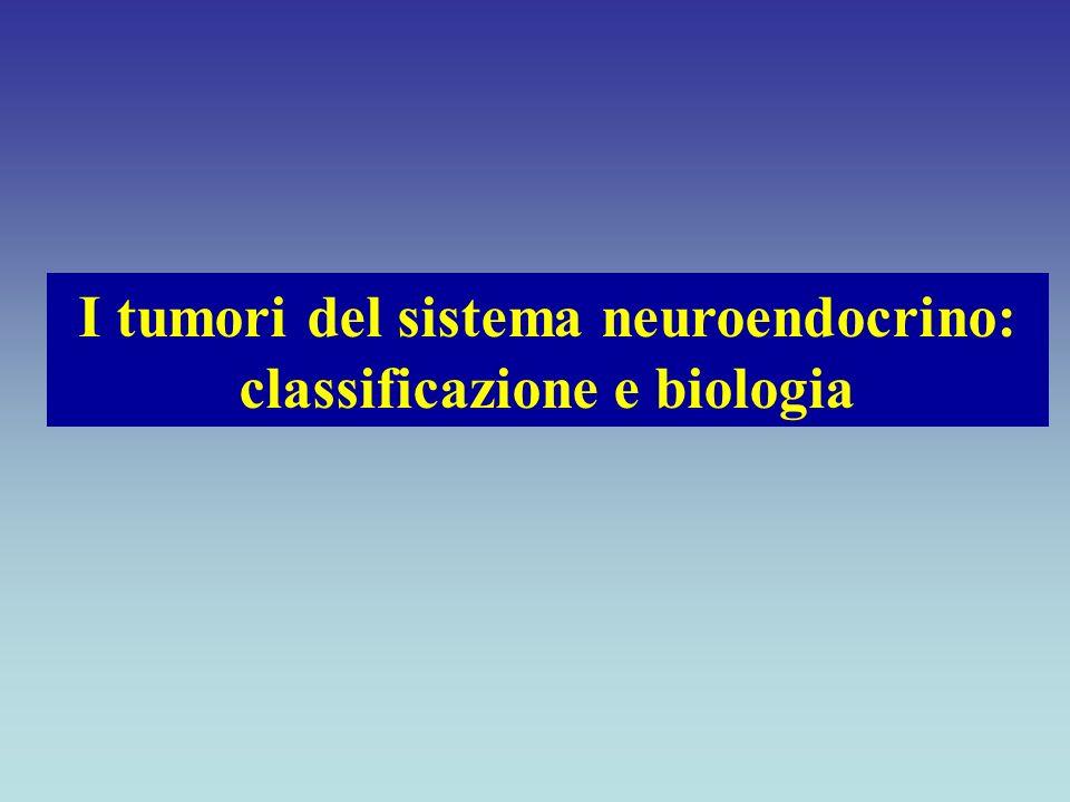 CELLULA NEUROENDOCRINA Cellula di origine neuro-ectodermica o endodermica capace di sintetizzare, immagazzinare e secernere mediatori biologici e/o i loro precursori con modalità endocrina, paracrina e autocrina, nonché enzimi di tipo neuronale e neurotrasmettitori Solcia E, Gastroenterol Clin North Am, 1989