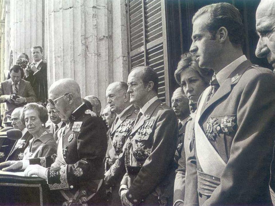 LAsse Roma-Berlino Con la guerra di Spagna si rafforza il legame tra Germania e Italia: 1936: alleanza dellAsse 1937: patto antikomintern allargato al Giappone.