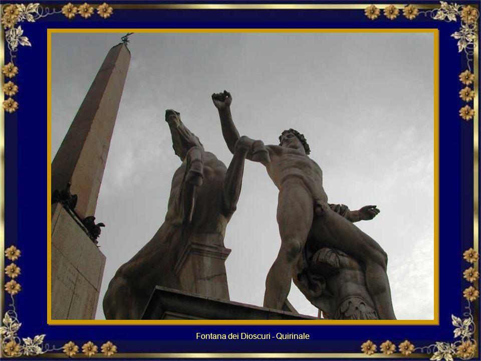 Fontana del nettuno in Piazza del Popolo Fontanna Neptuna na Piazza del Popolo