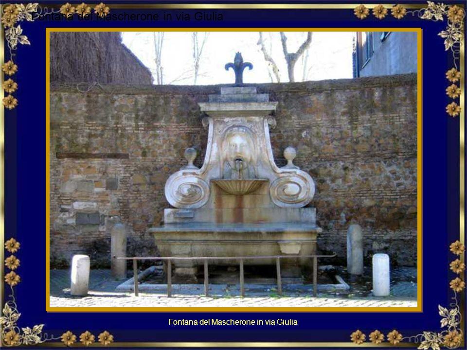Fontana del Facchino in via Lata