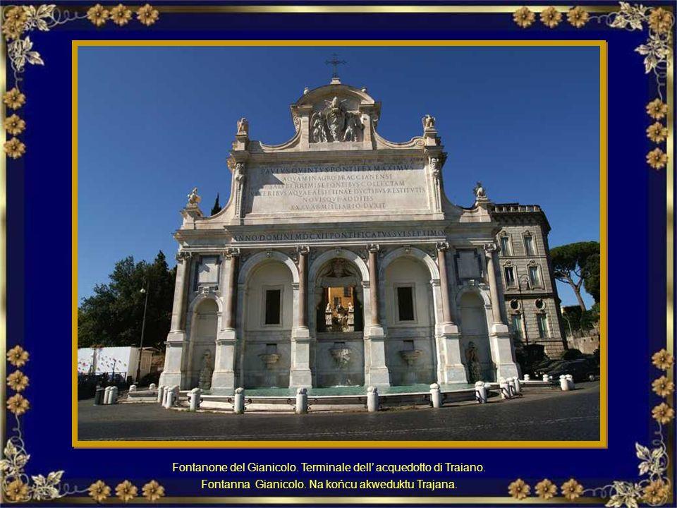 In Piazza di Spagna, ai piedi della Scalinata di Trinità dei Monti, si trova la Fontana della Barcaccia di Pietro Bernini, padre di Gian Lorenzo Berni