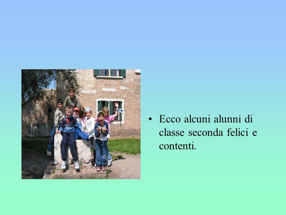 Ecco alcuni alunni di classe seconda felici e contenti.