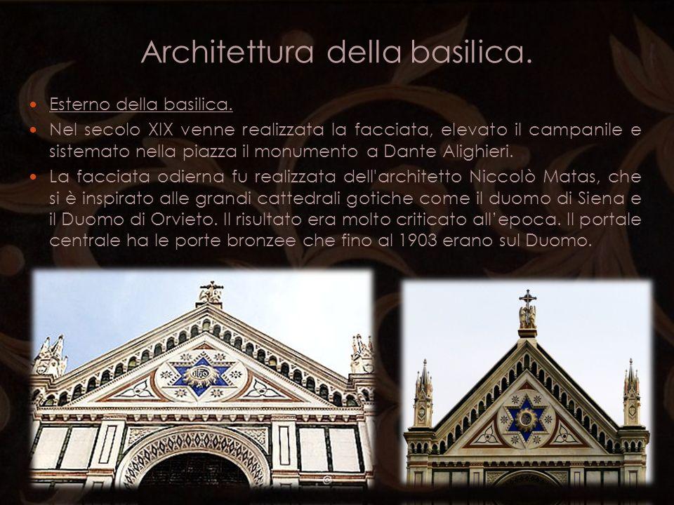 Architettura della basilica. Esterno della basilica. Nel secolo XIX venne realizzata la facciata, elevato il campanile e sistemato nella piazza il mon