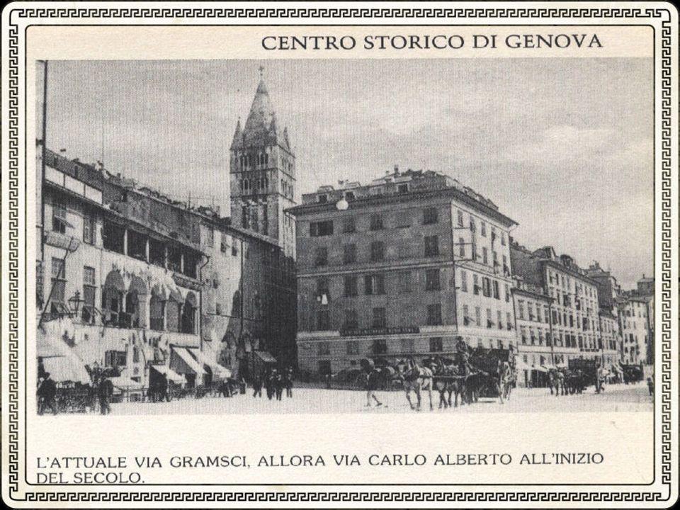 Laltimetria del Centro Storico passa da m. 2,09 (sul livello del mare) a Porta dei Vacca, ai m. 24,80 in piazza De Ferrari, sino ai m. 30,30 in piazza