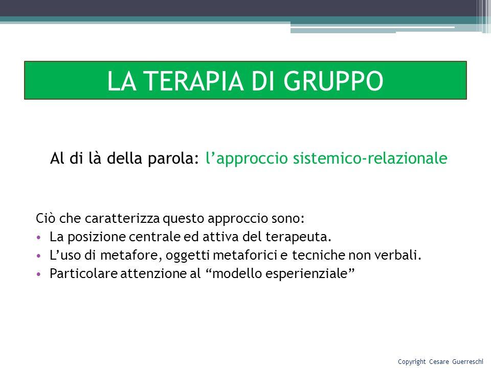 Al di là della parola: lapproccio sistemico-relazionale Ciò che caratterizza questo approccio sono: La posizione centrale ed attiva del terapeuta. Lus