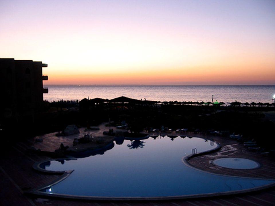 La Tunisia offre ai suoi ospiti strutture turistiche, fatte di bellissimi villaggi che permettono tante attività anche sportive o semplicemente protese al massimo relax.