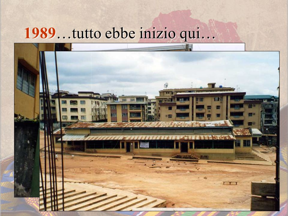 … novembre 1989 … Il prato dei sogni La prima volta nel luogo dove sorgerà la missione nella periferia di Onitsha.