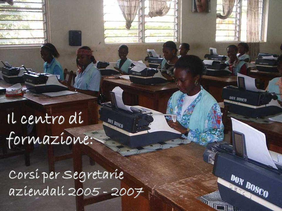 Corsi per Segretarie aziendali 2005 -2007 Corsi per Segretarie aziendali 2005 - 2007 Il centro di formazione: