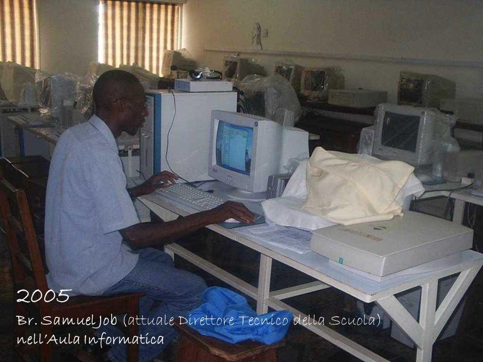 2005 Br. Samuel Job (attuale Direttore Tecnico della Scuola) nellAula Informatica