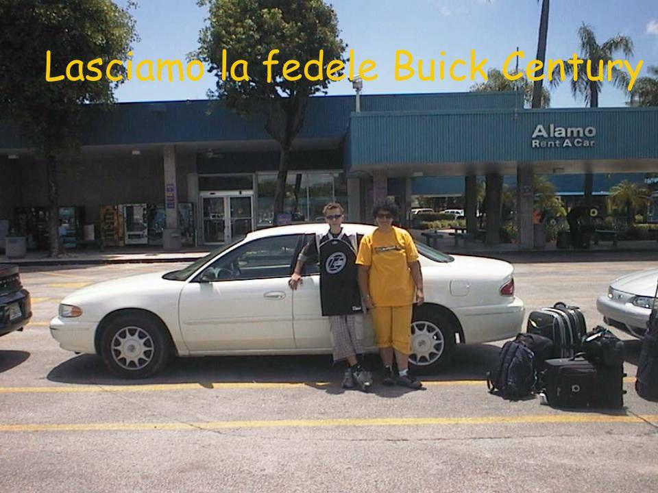 Lasciamo la fedele Buick Century
