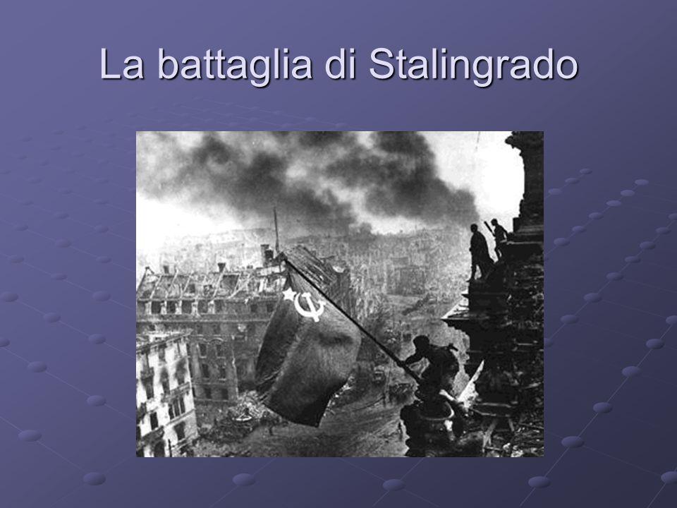 Ma è anche linizio della fine Midway, giugno,vittoria americana (Pacifico) Midway, giugno,vittoria americana (Pacifico) segna linizio del contrattacco statunitense segna linizio del contrattacco statunitense Stalingrado (luglio 42-febbraio 43)la resistenza dei soldati e della popolazione chiudono le divisioni tedesche di Von Paulus annientandole assieme al secondo contingente italiano lArmir(220 mila soldati) Stalingrado (luglio 42-febbraio 43)la resistenza dei soldati e della popolazione chiudono le divisioni tedesche di Von Paulus annientandole assieme al secondo contingente italiano lArmir(220 mila soldati) El Alamein,novembre, la vittoria del generale inglese Montgomery apre le porte allo sbarco anglo-americano in Africa sett.