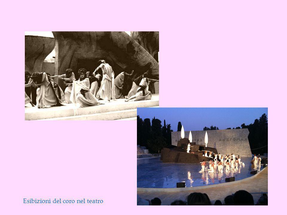 Esibizioni del coro nel teatro
