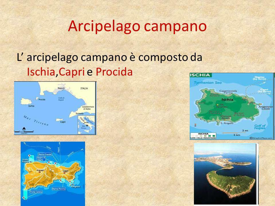 Costiera Amalfitana È una bellissima costa fatta di montagne a picco sul mare.