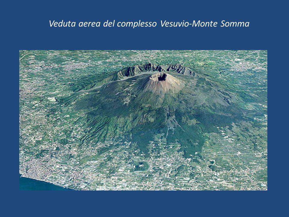 Veduta aerea del complesso Vesuvio-Monte Somma