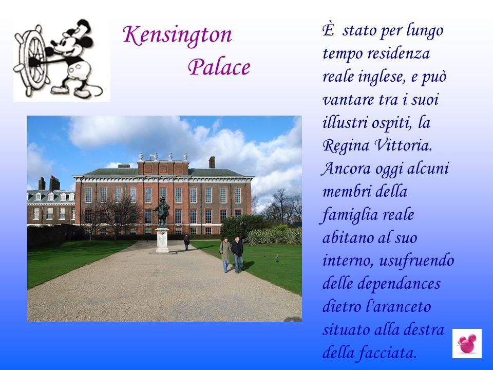 È stato per lungo tempo residenza reale inglese, e può vantare tra i suoi illustri ospiti, la Regina Vittoria. Ancora oggi alcuni membri della famigli