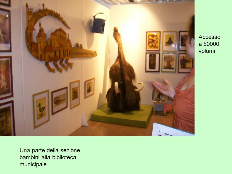 Una parte della sezione bambini alla biblioteca municipale Accesso a 50000 volumi
