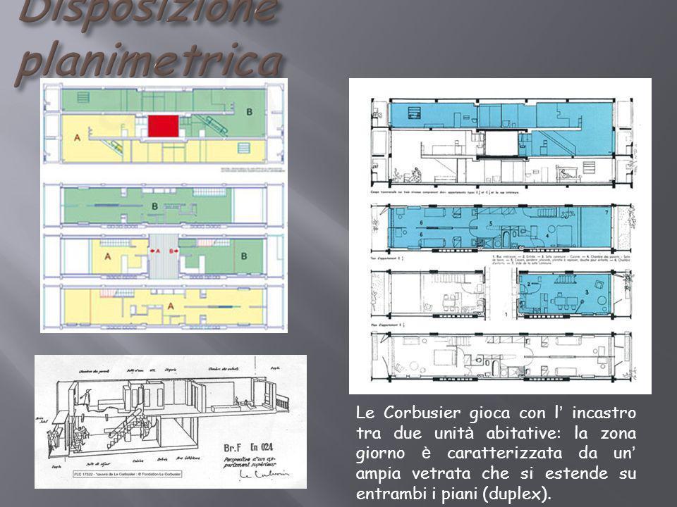 Le Corbusier gioca con l incastro tra due unit à abitative: la zona giorno è caratterizzata da un ampia vetrata che si estende su entrambi i piani (du