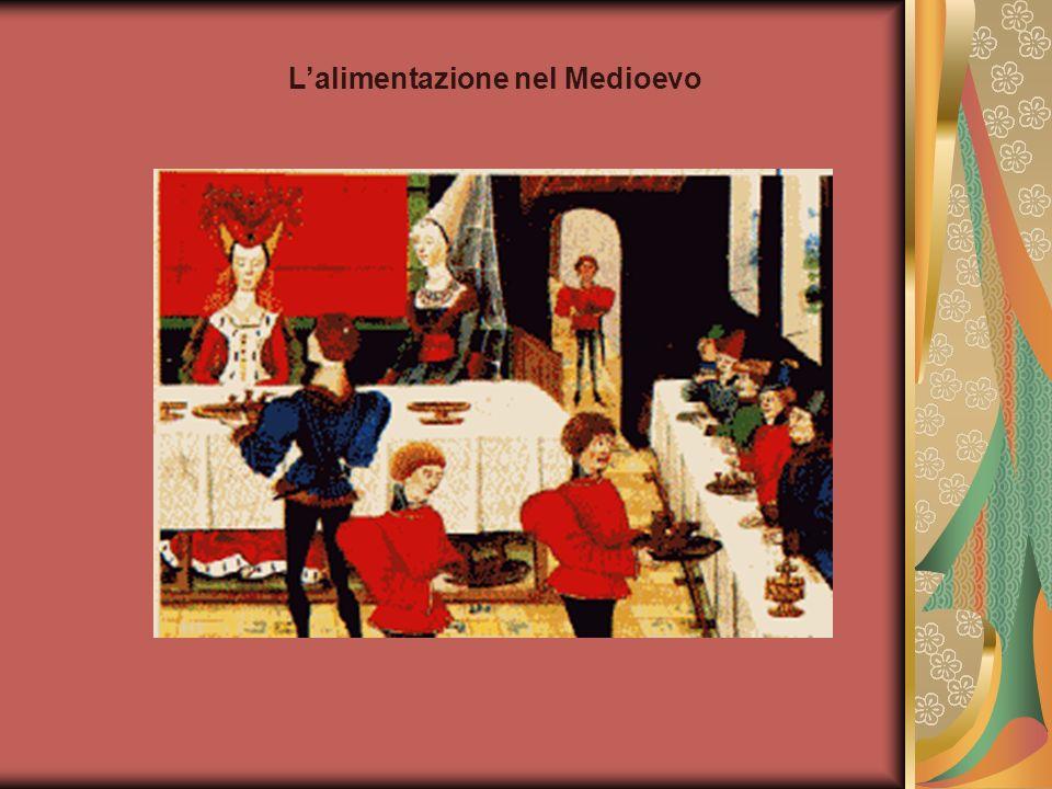Premessa Parlare dellalimentazione del Medioevo significa affrontare un aspetto fondamentale della società del periodo, in cui, a brevi fasi di abbondanza si alternano periodi di carestia.
