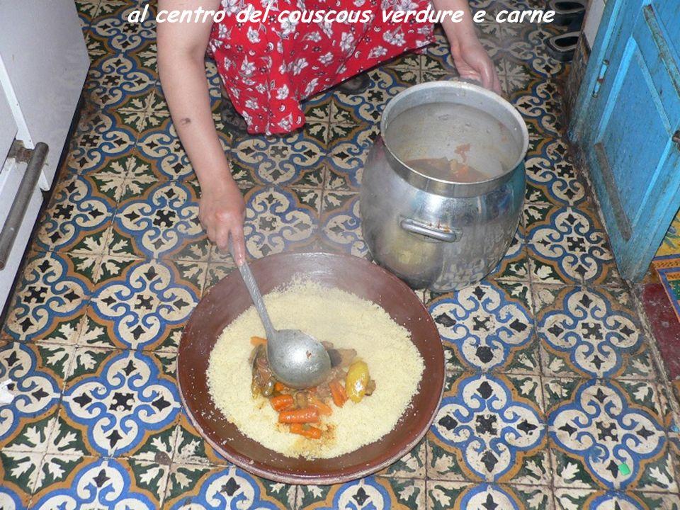 al centro del couscous verdure e carne