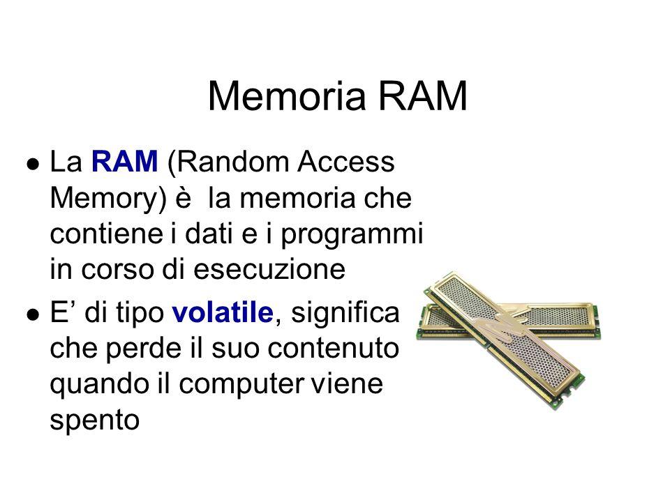 Le memorie principali Vengono anche chiamate memorie centrali Contengono un numero limitato di informazioni Si dividono in: memoria RAM (Random Access Memory), cioè memoria ad accesso casuale, consente sia la scrittura che la lettura dei dati in essa contenuti memoria ROM (Read Only Memory), cioè memoria di sola lettura, consente soltanto la lettura dei dati in essa contenuti memoria Cache