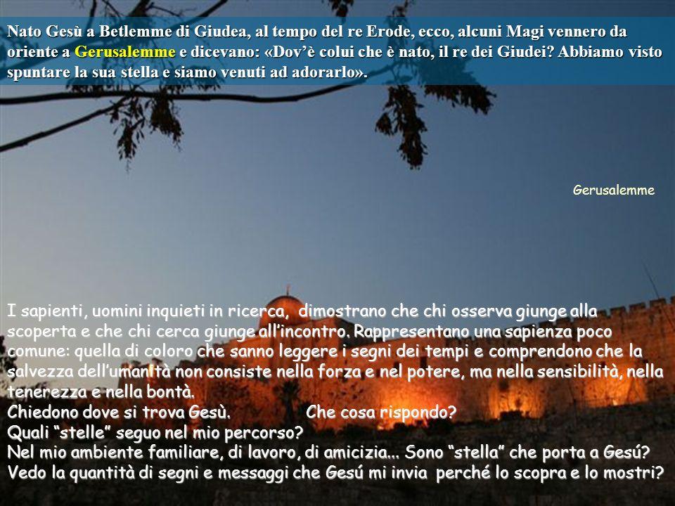 Testo: Matteo 2, 1-12. Epifanía di Gesú –B-. 6-1-12 Commenti e presentazione: M.Asun Gutiérrez. Musica: Adeste fideles. La nascita di Gesù è Buona Not