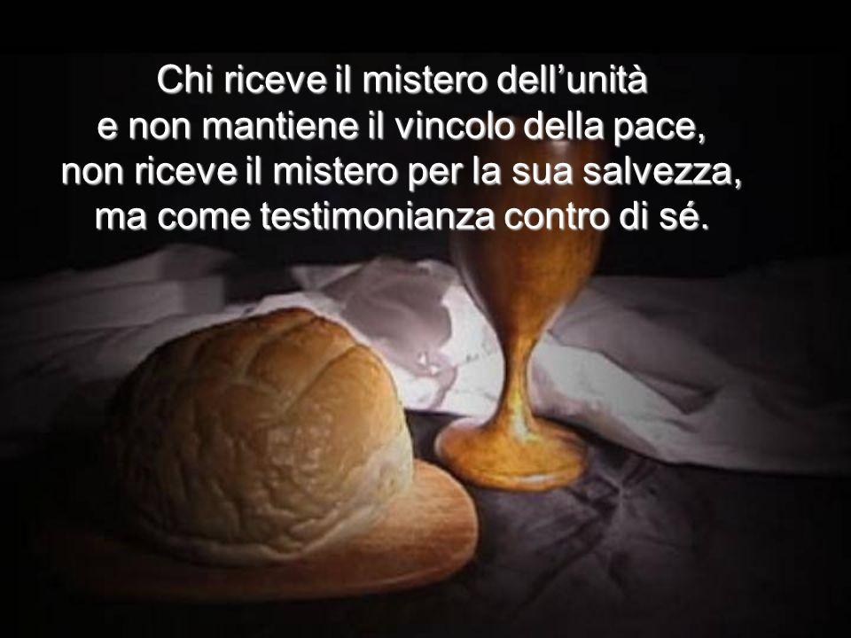 In questo modo il Cristo Signore ha contrassegnato noi, ha voluto che a Lui noi appartenessimo, consacrando sulla sua mensa il mistero della nostra pa