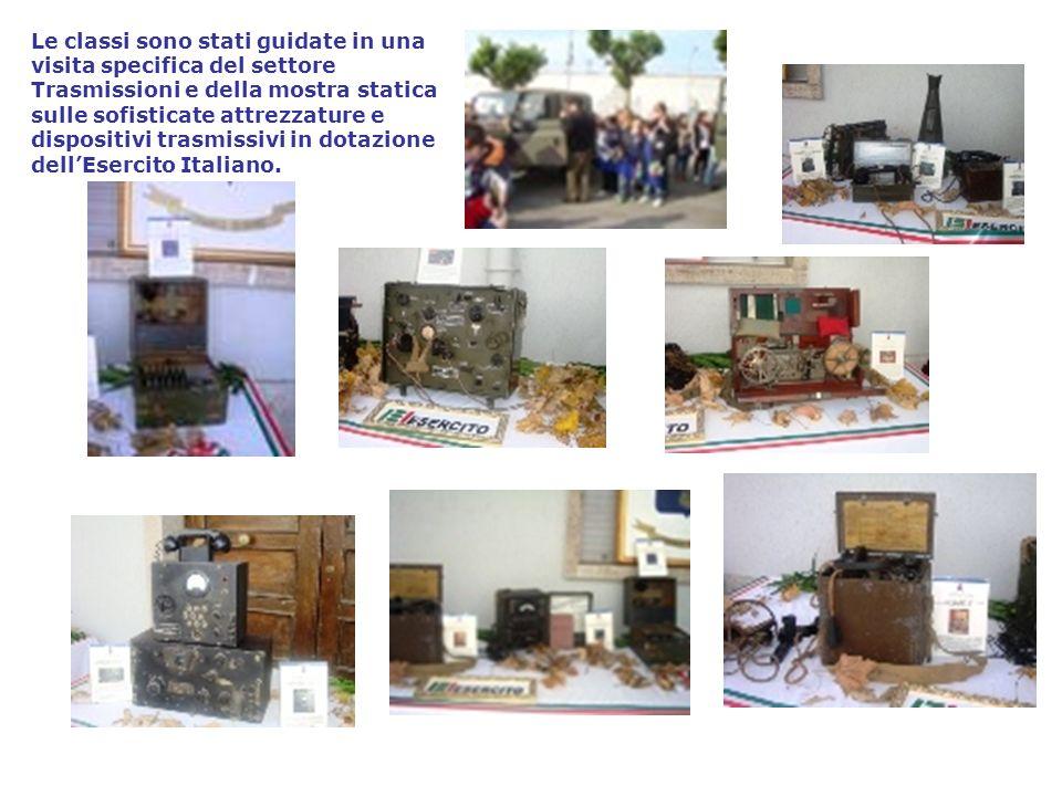 Le classi sono stati guidate in una visita specifica del settore Trasmissioni e della mostra statica sulle sofisticate attrezzature e dispositivi tras