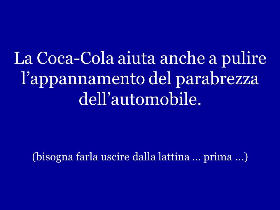 Per togliere le macchie di grasso sui vestiti, metti il contenuto (il contenuto!) di una lattina di Coca- Cola dentro la lavatrice con la biancheria e aggiungi il detergente.
