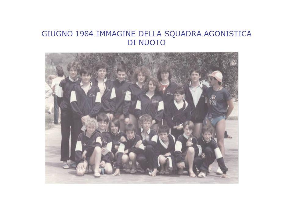 GIUGNO 1984 IMMAGINE DELLA SQUADRA AGONISTICA DI NUOTO