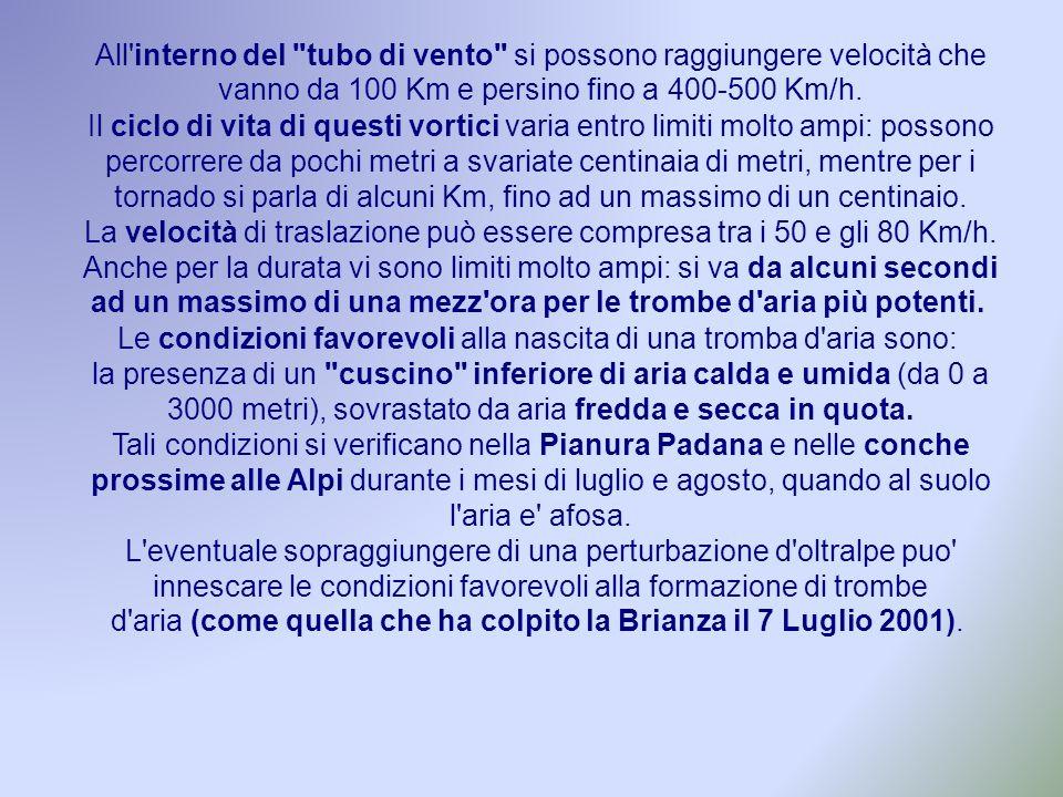 Le immagini del fronte temporalesco che ha investito l Italia settentrionale provocando, oltre ad altri fenomeni violenti, la tromba d aria della Brianza.
