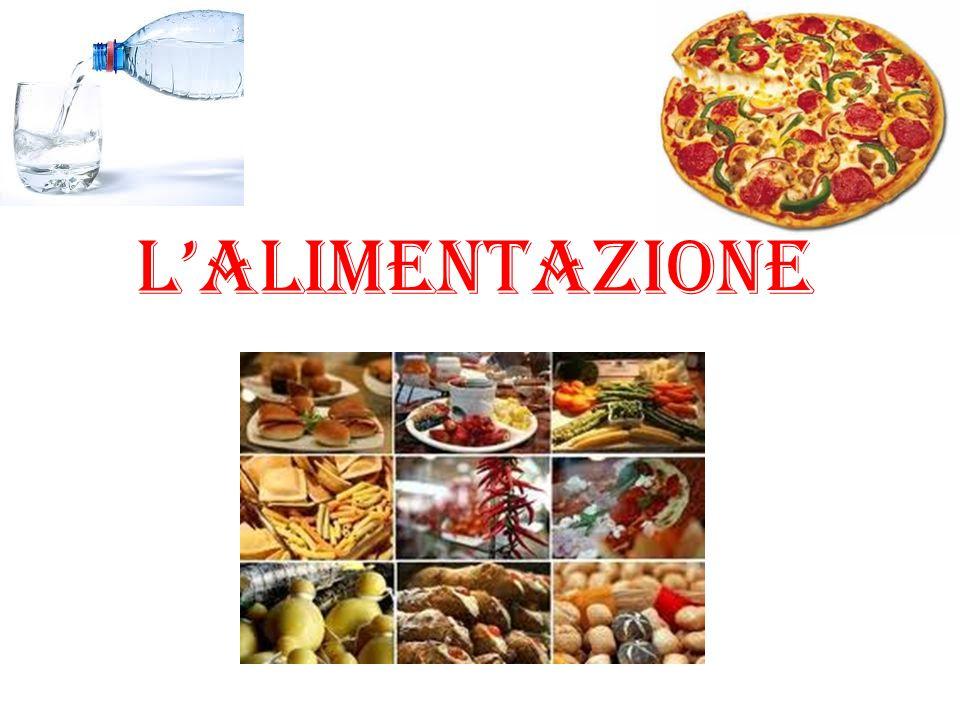 LA PIRAMIDE MEDITERRANEA La piramide mediterranea rappresenta la giusta alimentazione seguendo la dieta mediterranea.