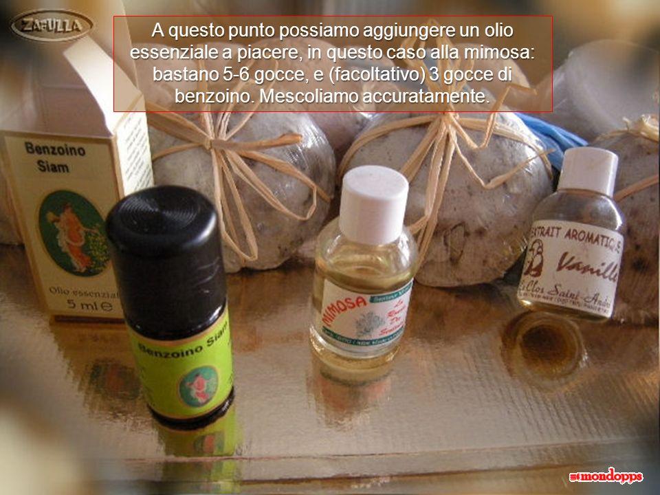 Deve diventare liscio e senza grumi; ma non importa se il composto sarà più o meno sodo, dipende dalla quantità di sapone usato e non influisce sul ri