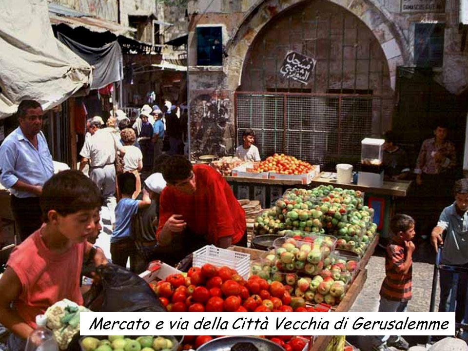 Mercato e via della Città Vecchia di Gerusalemme