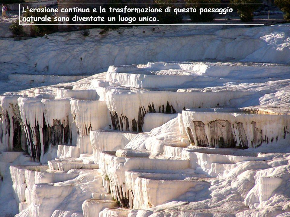 L'erosione continua e la trasformazione di questo paesaggio naturale sono diventate un luogo unico.