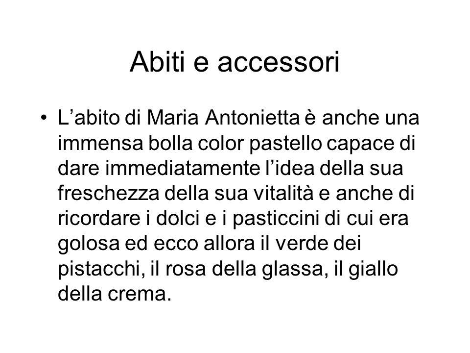 Abiti e accessori Labito di Maria Antonietta è anche una immensa bolla color pastello capace di dare immediatamente lidea della sua freschezza della s