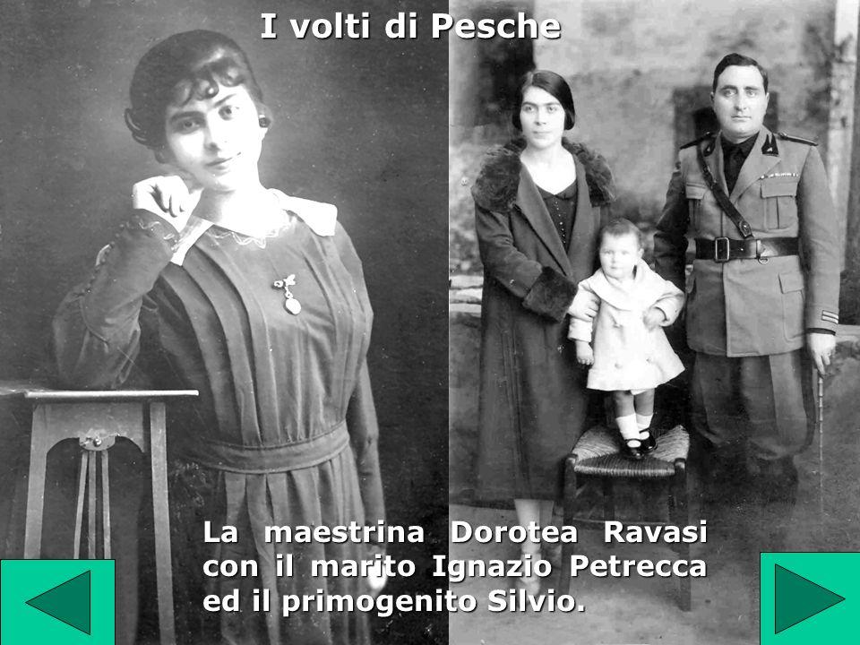 La maestrina Dorotea Ravasi con il marito Ignazio Petrecca ed il primogenito Silvio.
