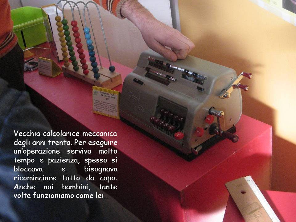 Vecchia calcolarice meccanica degli anni trenta. Per eseguire unoperazione serviva molto tempo e pazienza, spesso si bloccava e bisognava ricominciare
