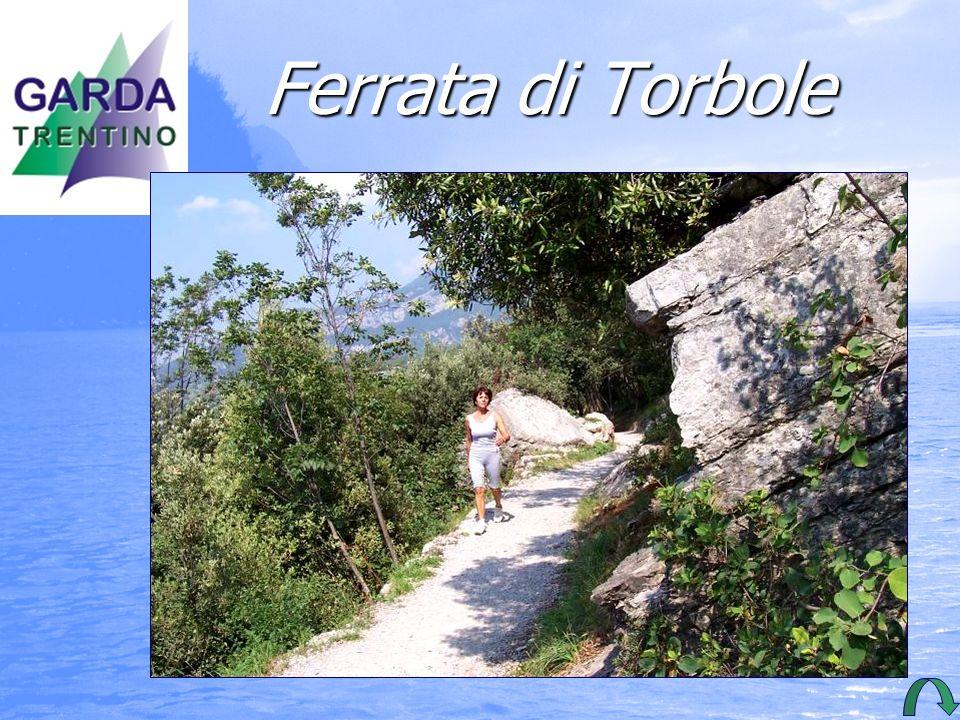 Ferrata di Torbole Busatte-Tempestasentieronatura- listico a balcone balcone sul lago sul lago di Garda.