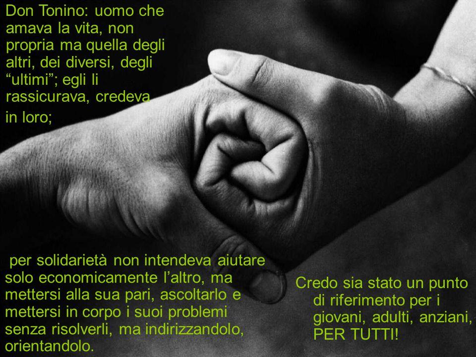 Don Tonino è unala di riserva, luomo che si mette in corpo la miseria, la follia della pace che sfida il realismo della guerra, lincognita delluomo che sovverte il mondo, le parole che mettono i brividi, la paura che non cè, il mondo che cambia, il sogno della liberazione.
